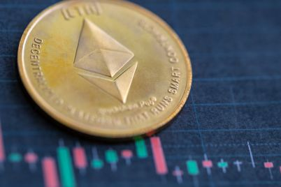 01_ETH-logo-with-candlestick-patterns-in-the-background.jpg