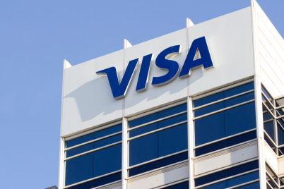 04_An-image-of-the-Visa-logo-on-one-of-its-buildings.jpg